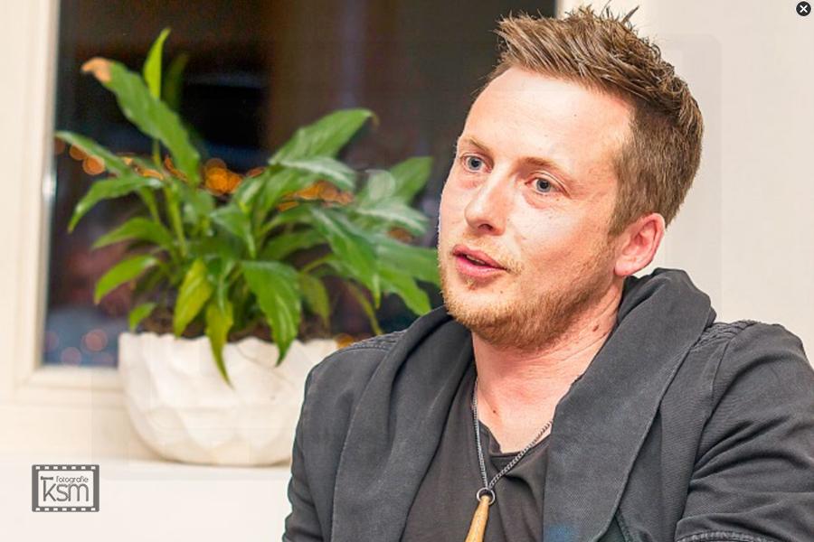 Kerem S. Maurer - Journalismus - Bericht Frutigländer - Oberländer im Gespräch - Nils Burri